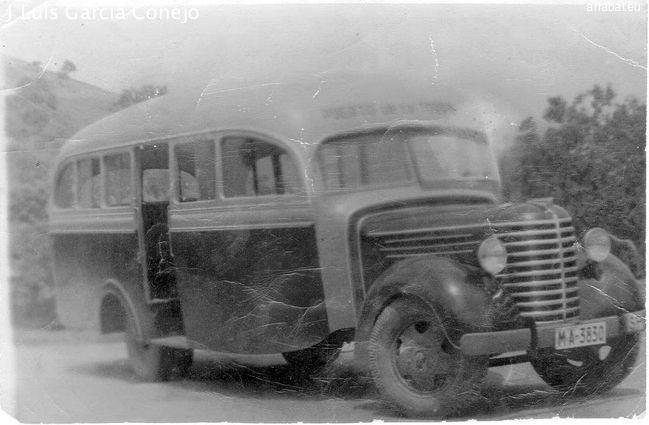 """El autobús de la empresa de María Guerrero, de la linea del Puerto de la Torre. """"El Colorao"""""""