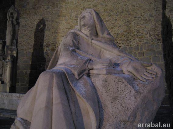 Monumento a Santa Teresa de Jesus de Avila