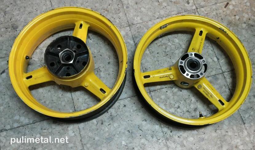 Ruedas de Suzuki GSX-R600 sin pulir