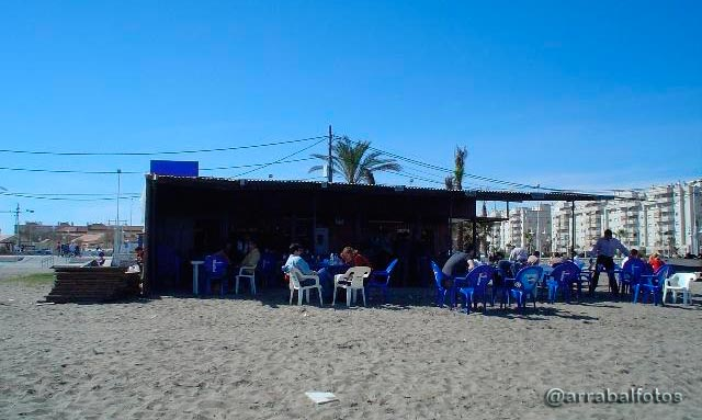 Antiguo chiringuito Casa Lucas, situado en la playa de la Misericordia de Málaga