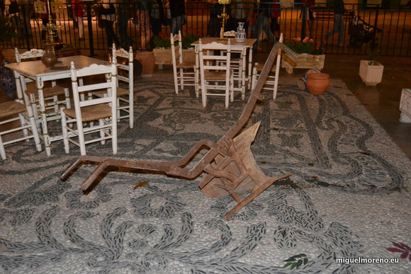 Arado visto en las Cruces de Mayo de Granada