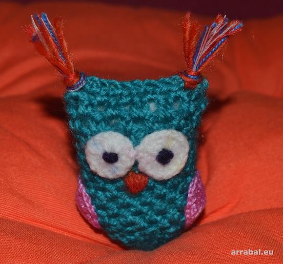 Bíºho de crochet hecho a mano