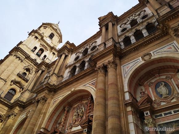 Fachada principal de la Catedral de Málaga desde la Plaza del Obispo