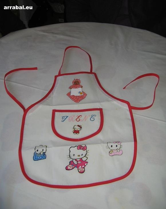 Delantal de Hello Kitty pintado a mano