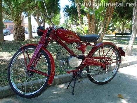 Moto Guzzi Roja restaurada