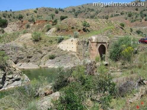 pantano_casasola_puente_antiguo