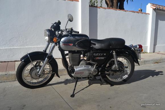 Moto Sanglas 400 restaurada