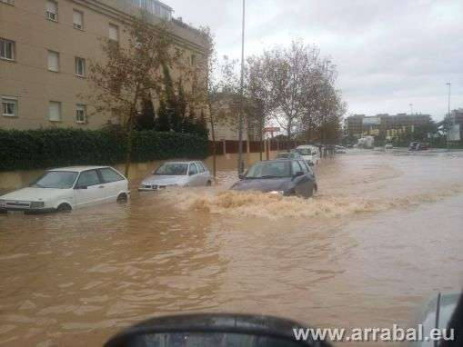 Calle Navarro Ledesma inundada