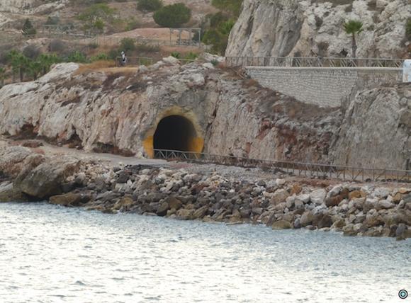 Tunel del Paseo de los canadienses y de Norman Bethune que ayudaron a los malagueños en la desbanda
