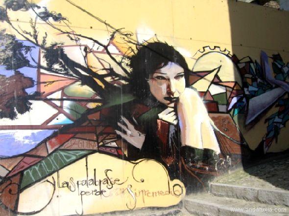 Las palabras se perderán si remedio... graffiti de mujer en Granada