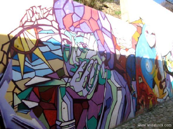 Pensando... grafiti en una calle de Granada