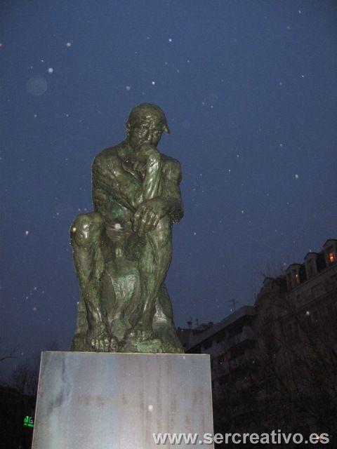 El Pensador de Rodin en Granada