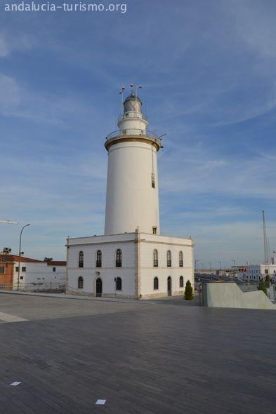 La Farola de Málaga, junto al Muelle Uno