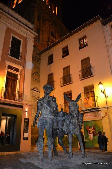 Monumento al aguador en la Plaza de La Romanilla de Granada