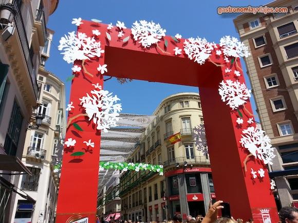 Portada de la calle Larios en la Feria de Málaga de 2015
