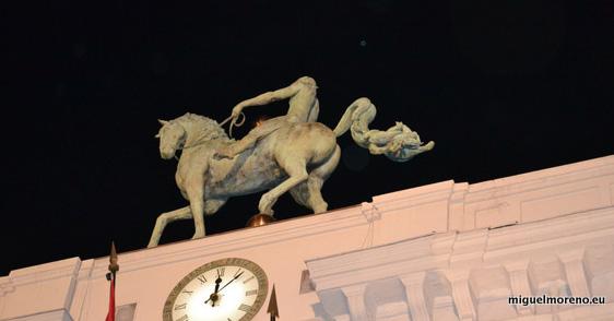 Caballo de Perez Villalta en el ayuntamiento de Granada
