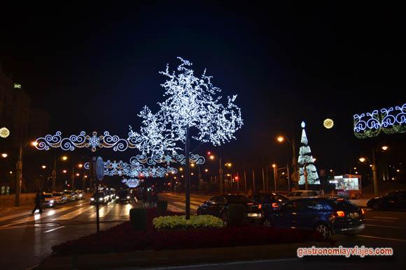 Plaza de la Marina de Málafa con alumbrado de Navidad