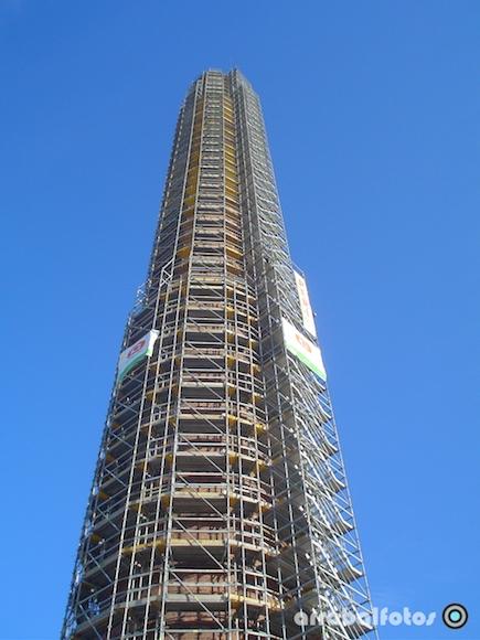 Andamios durante la Restauración de la Torre Mónica